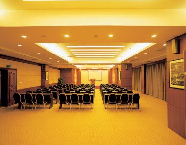 Multiple function banquet hall