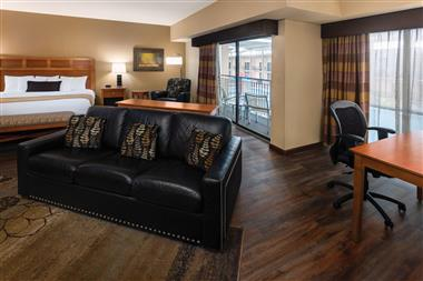 Beautifully Appointed Guest Rooms and Suites