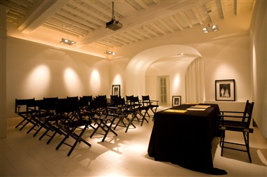 SPAZIOBIANCO MEETING ROOM THEATRE
