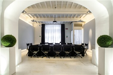 SPAZIOBIANCO MEETING ROOM  BIG TABLE