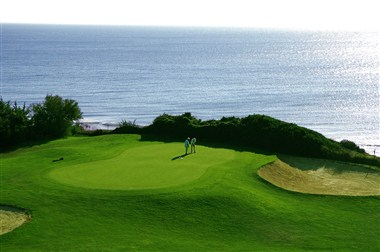 Surroundings: Golf & Ocean