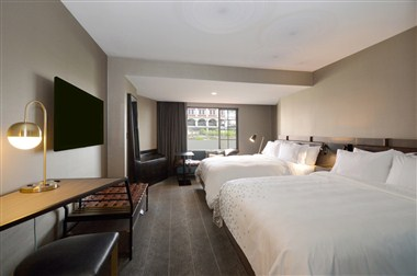 New Renovated Guest Room Two Queens River View