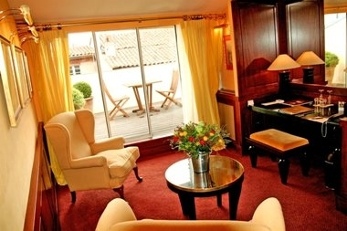 Yellow Executive Suite