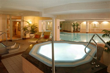Pool (Indoor)