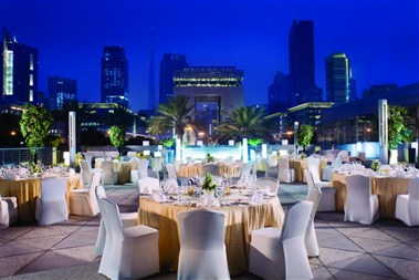 Jumeirah Emirates Towers - Mosaico Terrace