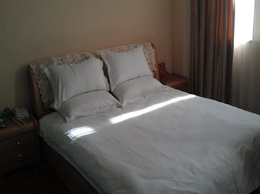 King-Size Bed Room