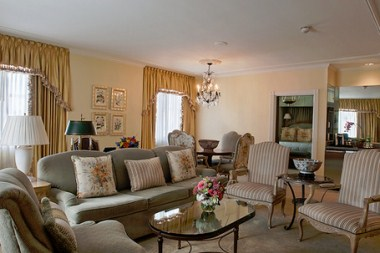 Truman Capote Suite - Living Area