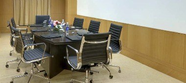 Meeting Room Setup (Boardroom)