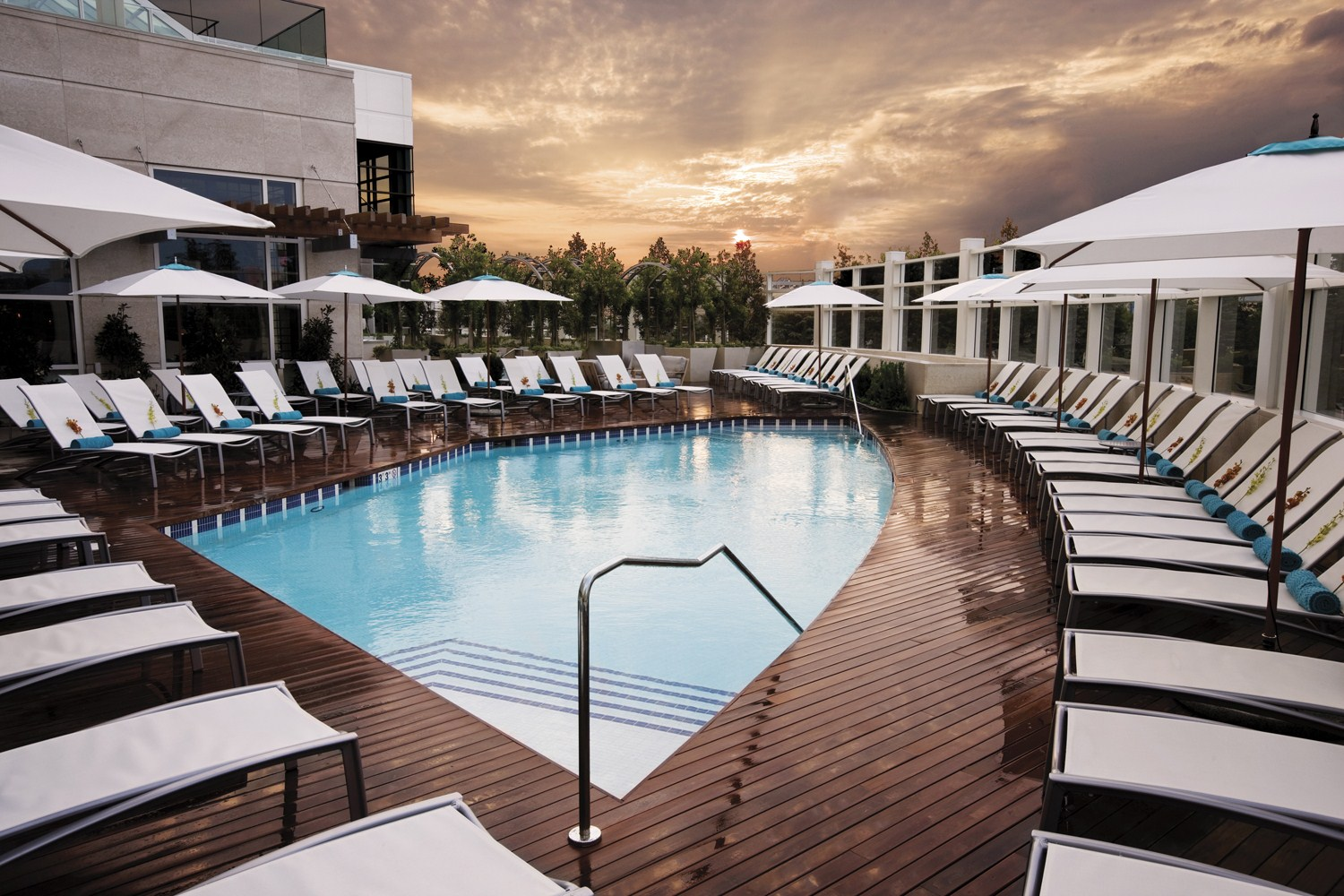 The Water Club Outdoor Pool