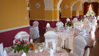 Banquette Room