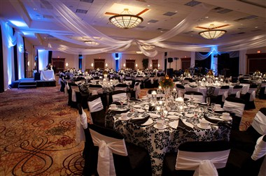 Platinum Ballroom banquet set-up