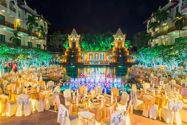Gala dinner by the poolside area