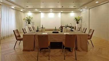 Botticelli Meeting Room