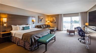 Waterview King Suite
