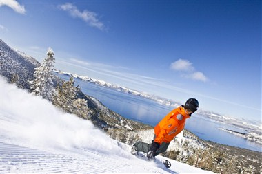 Snowboarding in North Lake Tahoe