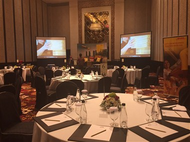 The Grand Ballroom: Meeting Round Table