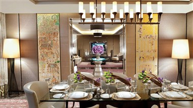 Royal suite Dinning area