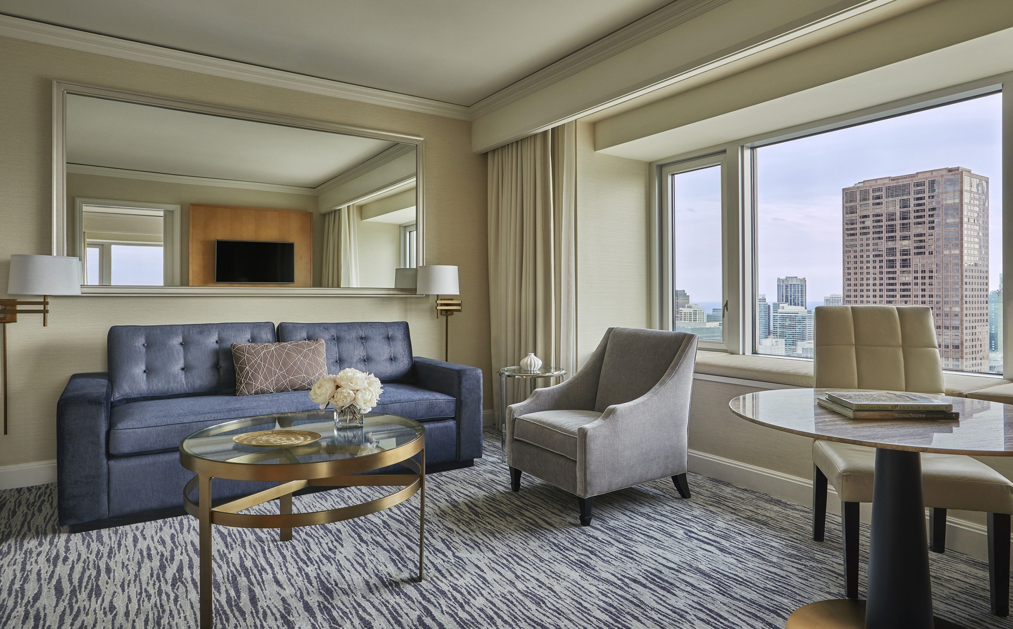 Four Seasons Executive Suite - Bedroom