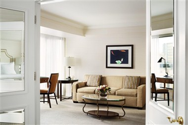 Four Seasons Deluxe Executive Suite