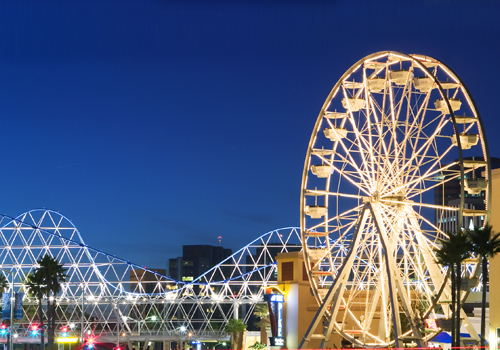 Cyclone Bridge Ferris Wheel