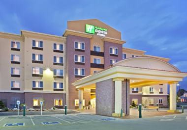 Holiday Inn Express & Suites North Lynnwood