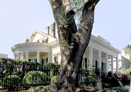 Mansion Garden District