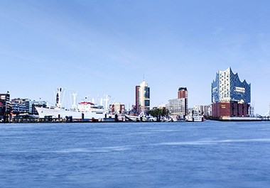 River Elbe and Elbphilharmonie