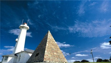 Donkin Pyramid and Lighthouse
