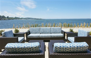 Shoreline Bar and Grille Patio