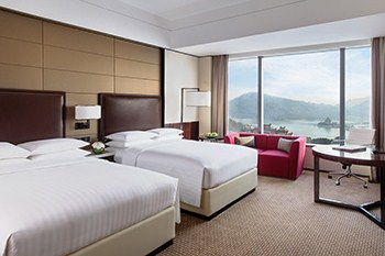 Deluxe Lake View Room