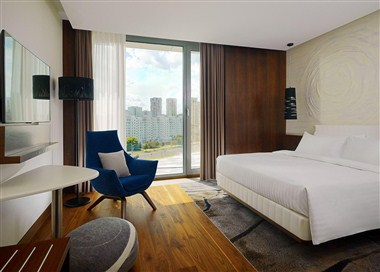 Classic Room with King-size bed, City view