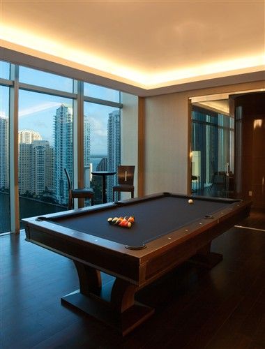 Billiard Room - 19th Floor