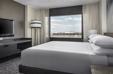 Guest Room- Airport View