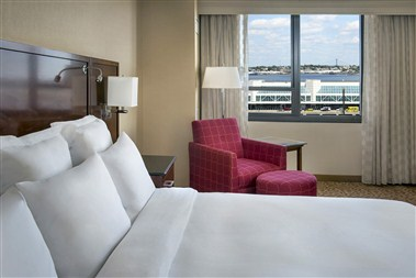King Guest Rooms Airport View