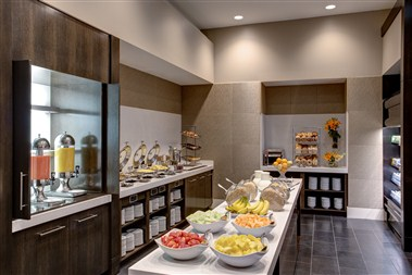 M Club Lounge – Breakfast Buffet