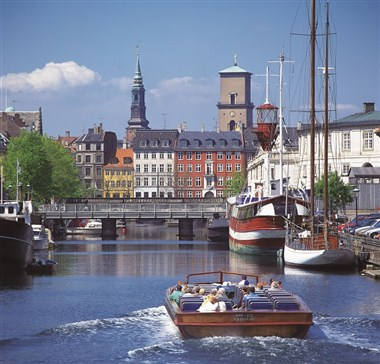 Canal Tours through Copenhagen's Inner Harbour