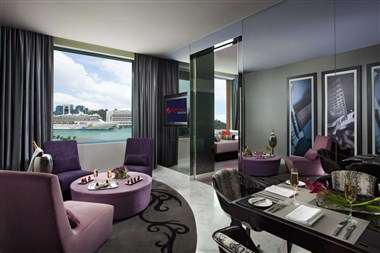 Hard Rock Hotel Singapore - Deluxe Suite