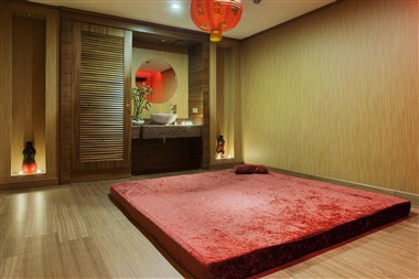 Tai Massage Room