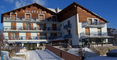 Hotel Pyrenees Ski Resorts