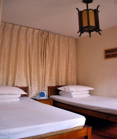 Private twin bed ensuite room