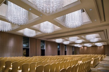 Crowne Grand Ballroom