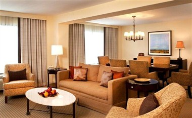 Crowne Plaza Atlanta Airport Two Bedroom Suite