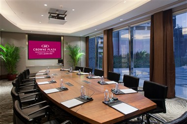 Diamond Boardroom
