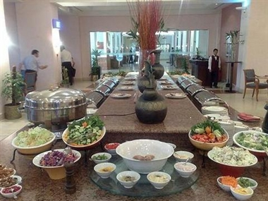 Al Roshan Restaurant: Salad Bar