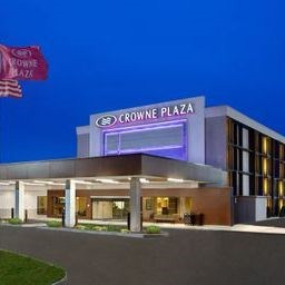 Crowne Plaza Pittsburgh West