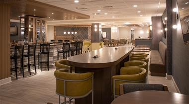 The Crowne Plaza Northbrook Bar and Grill