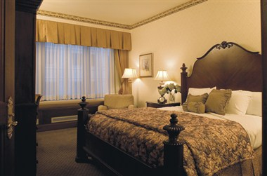 Great Lakes Suites Master Bedroom