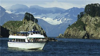 Day cruise in Kenai Fjords National Park
