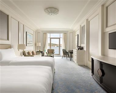 Premier Bosphorus Room