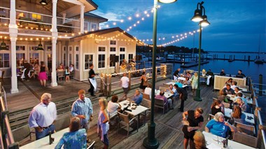 Waterfront dining in New Bern, NC